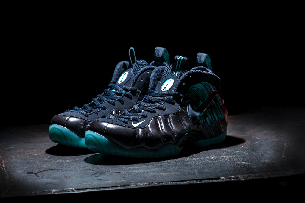 2015 Nike Air Foamposite Pro Metallic Silver Black